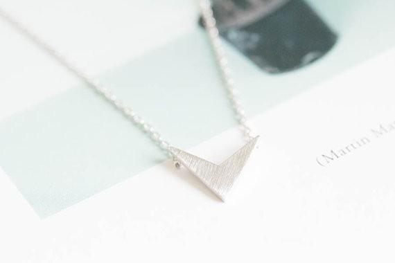 2014-Fashion-18k-gold-silver-womens-anniversary-chevron-v-pendant-necklace-Free-Shipping (3)