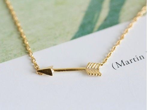 N010 Gold Silver hunger games movie tiny Horizontal arrow pendant charm necklace women sideways Green Arrow necklace men