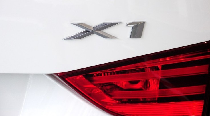 X1 02