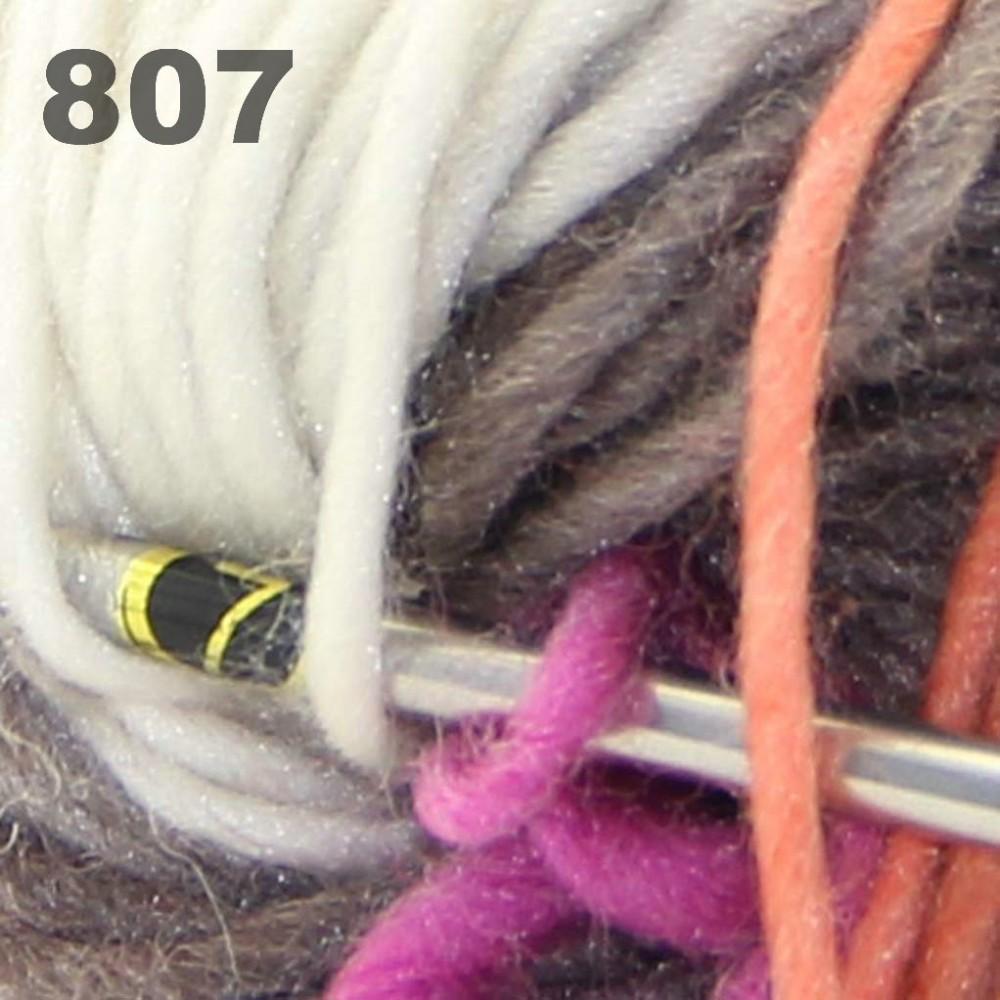 Scores yarn_522_807_30