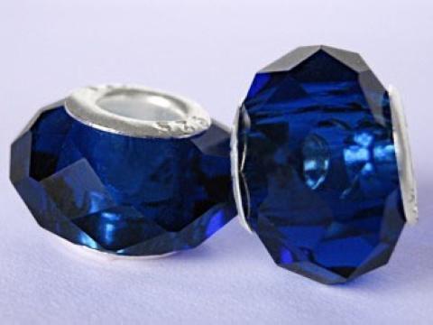 Branelli allentati di vetro del foro grande sfaccettato di colore misto all'ingrosso, branelli di fascino di cristallo Trasporto libero