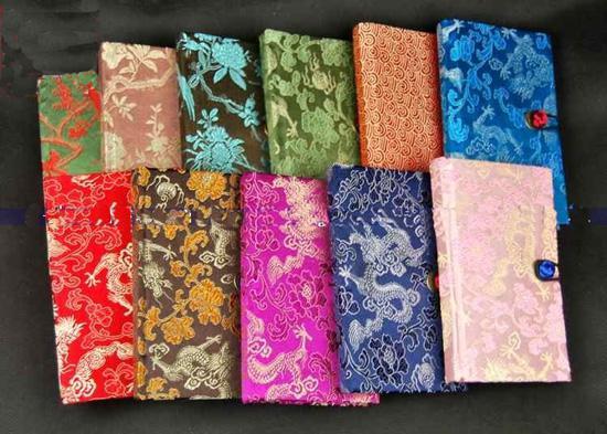 Mode luxe relié journal Notebook faveur cadeaux chinois style soie tissu imprimé / mix couleur livraison gratuite