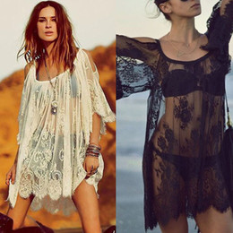 Al por mayor-Feitong notable hippie Boho personas bordado Floral Bohemia encaje Crochet Beach Wear Mini blanco \ vestido negro envío gratis