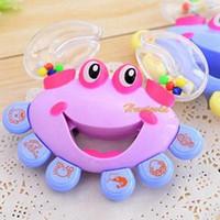 bebé cangrejo al por mayor-Al por mayor-1PC Hot Baby Kid cangrejo Shake traqueteo Handbell Musical Instrumento juguete del bebé