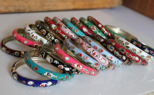 Tunn cloisonne armband armband unik billig kinesisk färgad försäljning mix färg 100pcs / mycket gratis