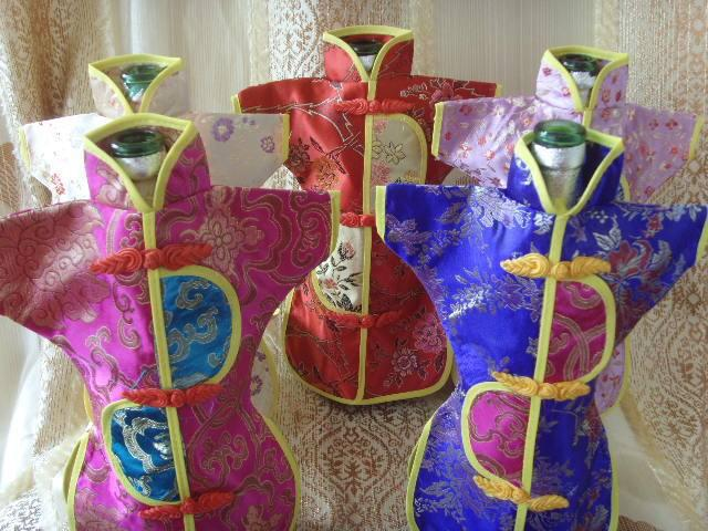 Novelty Chinese style Wedding Wine Bottle Cover Bags Party Table Decoration Silk Fabric Bottle Clothes mix color