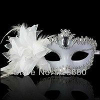 máscaras de máscara de penas brancas venda por atacado-Envio Atacado-Livre! Traje de baile de máscaras branco máscara de festa de Halloween com flor princesa veneziana máscara de bola de penas 210-0101-4