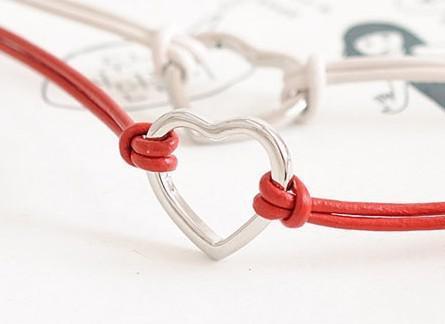 Nouveaux bracelets en cuir de mode charme femmes en forme de coeur pendentifs Bracelet /