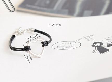 Mode handgemaakte lederen armbanden hartvorm hangers vrouwen bedelarmband gloednieuw /