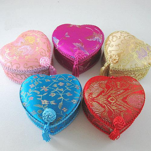Love Heart Lace Tassel Gift Box Silk Brocade Cardboard Jewelry Storage Boxes Decorative Cosmetic Makeup Packaging Case
