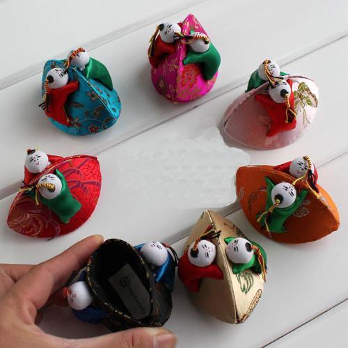 Personliga Shell Små barn Smycken Presentförpackning Vintage Söt Silk Brokade Färgglada Ring Förvaring Boxar Partihandel Packaging Case /
