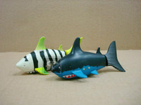 Venta al por mayor-3310B Coca-Cola puede Mini 3CH de control remoto de aire Flying Shark Fish Water Game Juguetes de juguete inflables Funny RC Shark
