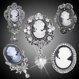 Jóias de camafeu vintage on-line-Atacado-vintage cameo broche pinos broches para as mulheres strass broche flor broche moda jóias boh-a05 frete grátis 2015