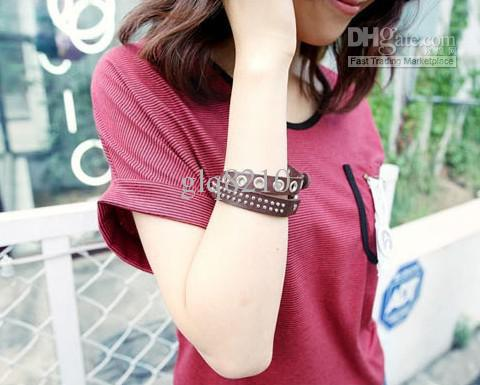 Hot Sales Fashion Rivet Leather Bracelets Vintage Rsonalized Design Women's Brand New