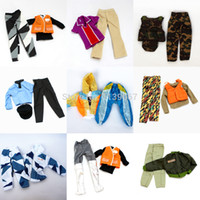 All'ingrosso-3 set Bambola Outfit Plug Suit / Uniform sfera / combattimento uniforme dell'esercito / Leasure Wear Accessori moda per Barbie Doll Boy Ken