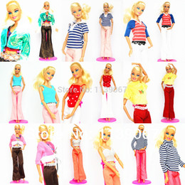 Wholesale Wholesale Handmade Girls Clothes - Wholesale-Lots 40 Items  Clothing Suit + Hangers +Shoes   Handmade Doll Dress Outfit Leisure Wear Accessories For 1 6 Barbie Kurhn Doll