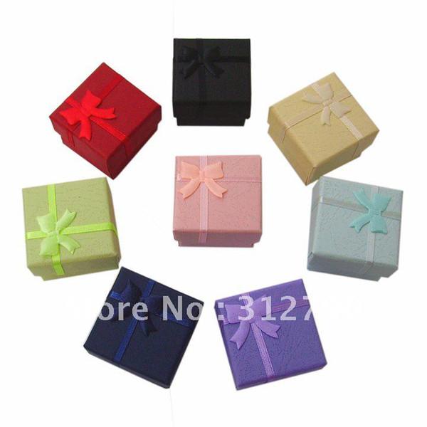 Al por mayor-libre por el poste de China - NEW.Wholesale, caja de regalo de la joyería de papel, 4 * 4 * 3 cm, más color, caja del anillo, 144pcs / lot