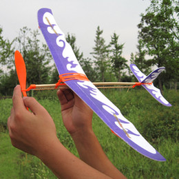 Wholesale Built Aircraft Models - Wholesale-NEW DIY Model Airplane Model Aircraft Powered by Rubber Band Children Toys Free Shipping