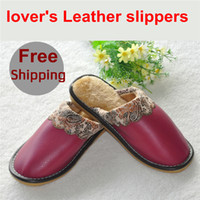 зимняя мягкая домашняя обувь оптовых-Wholesale-Winter Warm Home Shoes embroidered appliques Super Soft Lovers household Slippers leather slippers for female/male Free Shipping