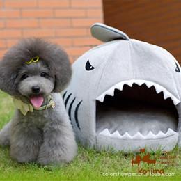 Wholesale Shark Dog - Wholesale-New Wholesale 1PCS Soft Sponge Strawberry Pet Dog Cat Bed Houses Lovery Warm Doggy Kennel Shark Type Dog Kennel D0023