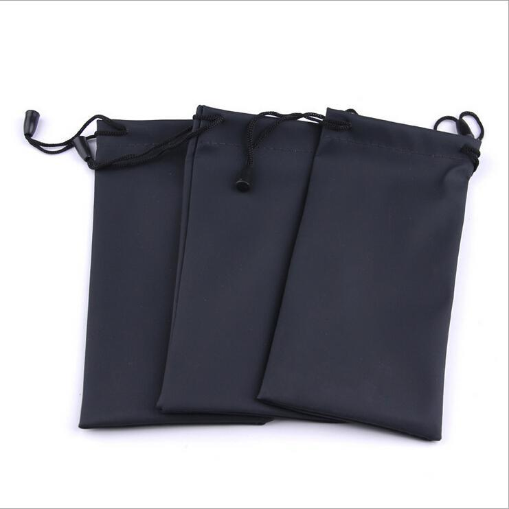 Vente en gros-50pcs / lot noir durable imperméable à l'eau en plastique anti-poussière lunettes de soleil pochette douce lunettes sac étui à lunettes accessoires de lunettes