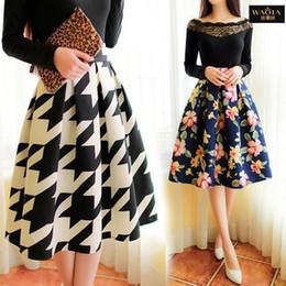 Vente en gros-vente chaude 2015 nouvelle arrivée mode Vintage Style Floral jupe plissée dans l'art des femmes fleur jupes une ligne ? partir de fabricateur