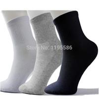 Wholesale Mesh Socks Male - Wholesale-High Quality Men Athletic Socks Sport Basketball Long Cotton Socks Male Spring Summer Running Cool Soild Mesh Socks For All Size