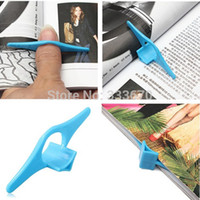 Barato Suporte De Página De Livro De Plástico-Venda Por Atacado 5pcs Multifuncional Thumb Book Page Holder Marcador Anel de dedo Bookmark Plastic Convenient Reading Helper Book Mark Wholesale