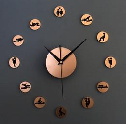 настенные часы новинки Скидка Wholesale-DIY quartz clock lovers sex positions novelty 3D circles acrylic metallic feel wall clocks for bedroom interest home decoration