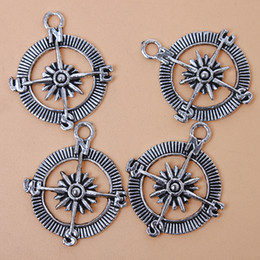 Wholesale Antique Compass Charm - Wholesale-New Style 60pcs lot Compass Shape Charms Pendants Antique Silver Plated Alloy Pendants Fit Jewelry Findings Free Shipping 142824