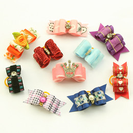Wholesale Wholesale Pets Hair Bows - Wholesale-dreambows Crown Mix Pack Handmade Puppy Dogs Show Hair Bows For Dog Bow 11001 Pet Yorkie Grooming Gift Products 20Pcs