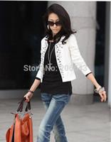 blazerler kadınlar için renk beyaz toptan satış-Ücretsiz kargo! Lady Sonbahar Perçinler Coat Kadınlar Puf Tam Kollu Elbise Lady Blazers Siyah ve Beyaz Renk kadının Moda Tops