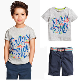 Deutschland Großhandelsbaby Jungen-Sommer-Kleidungs-Satz-Jungen-Marken-Kleidungs-Satz-Kinderkleidungs-Kinderklagenbaumwollbriefdrucken T-Shirt + beiläufig supplier children s t shirts wholesale Versorgung