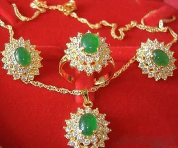 Emerald Jade 18K GP Crystal Pendant Necklace Earrings Ring / Gemstone Jewelry Sets