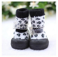 Scarpe Dog Pet Product Dog Boots Dog Supplies Pet Shoes Calzature Socks Snow Boots con suola in gomma antiscivolo 1pcs / lot