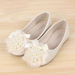 Wholesale Kids Dress Shoes Beige - 2015 Autumn New Lace Pearl Flowers Girl Leather Shoes Princess Shoes For Kids Children Beige And Pink Dress Shoes Eur 24-35