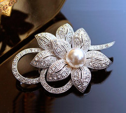 Wholesale Pearl Bouquet Fashion Brooch - RO large silver plated men's fashion crystal bow brooch, vintage pearl pin woman Rhinestone jewelry wedding bouquet