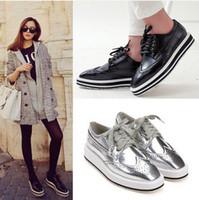 damen oxford fersen großhandel-silberne schwarze Art und Weise spitz Stöckelschuhe für Frauen echtes Leder Kleid-Schuhe Kanal Schuhe Damen flache Stiefeletten