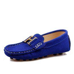 Опт Оптовая торговля-8 цвет дети натуральная кожа обувь Детская мода кроссовки лодка обувь Детские мокасины мальчики девочки один обувь DZ40