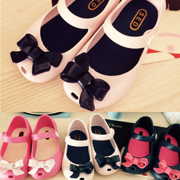 Wholesale Crochet Cow - Wholesale-2015 Summer Children jelly Sandals Mini Melissa Cute Bow Girls Shoes Skid Proof Soft Bottom Kids Shoes With Fragrance 001