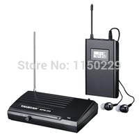 transmisores uhf al por mayor-Envío gratis Takstar WPM-200 UHF Wireless Monitor System Stereo In-Ear auriculares inalámbricos Headset TransmitterReceiver Set