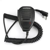 Wholesale speaker b - 2Pcs BAOFENG Handheld Microphone Shoulder Speaker for Walkie Talkie UV-5R UV-5RA B C E UV-3R plus BF-888s BF-666s