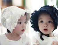 kaput pembe toptan satış-Bebek Kız Bonnets Desenler İlkbahar Yaz Şapka Kapaklar bebeğin Beyaz Pembe Siyah Bonnets Bonnet BEBEK PASTA BONCUK IÇIN BABA ...