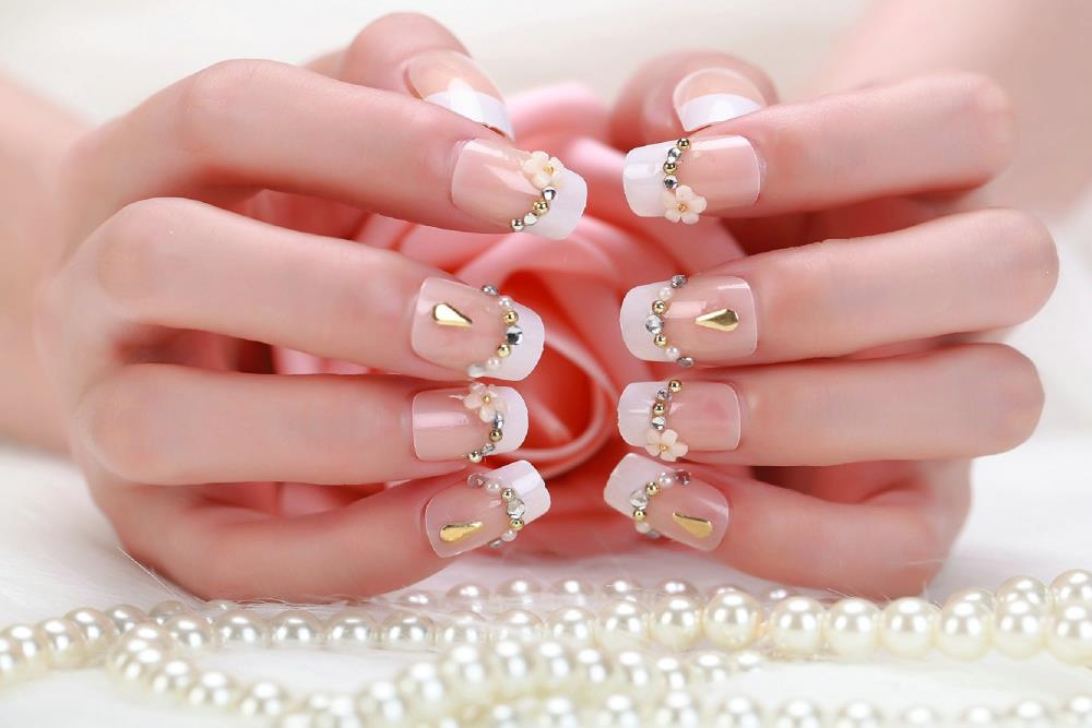 Crystal fake nails high quality artificial bling simple - Nageldesign beige gold ...