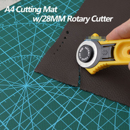 Wholesale Quilting Cutting Mats - Wholesale-28mm Rotary Cutter Blade w A4 Cutting Mat F Quilting Fabric Paper Leather Craft
