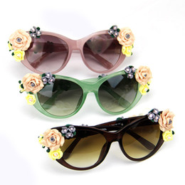 Wholesale Retro Flower Sunglasses - Wholesale-Vintage Fashion Oversized Women\'s Girls Sunglasses Retro Decor Floral Flower UV Glasses