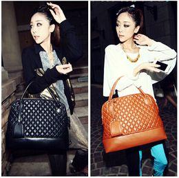 Wholesale Retro Classic Bag Handbag - Wholesale- Free shipping 2015 summer new Fashion girl bag retro trend Quilted Shell handbag classic old models women messenger