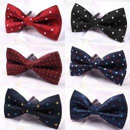 2019 mans tie cravate En gros-10 couleurs à la mode pour hommes Bow Tie Polka Dot Bowties pour Mens Commercial Wedding Bowknot Cravat Vestidos Gravata Borboleta mans tie cravate pas cher