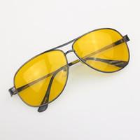 gece sürüş camları toptan satış-Toptan-Yeni Sarı HD Gece Görüş Sürüş Yansıma Önleyici Gözlük Gözlük güneş cam tabancası Metal Çerçeve erkek kadın güneş gözlüğü
