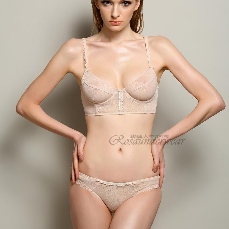 Woman of manswers nudde